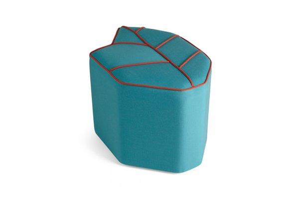 Blauer blattförmiger Outdoor-Pouf von Nicolette de Waart für Design by Nico