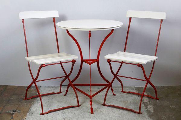 Kleines Jugendstil Gartenset Mit Tisch 2 Stühlen Bei Pamono Kaufen
