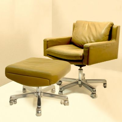 Sensational Vintage Swivel Chair With Ottoman By Robert Haussmann For De Sede 1957 Pabps2019 Chair Design Images Pabps2019Com