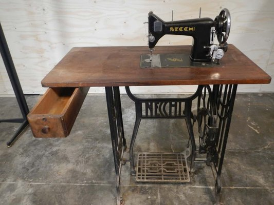 Table Pour Machine A Coudre De Necchi 1930s