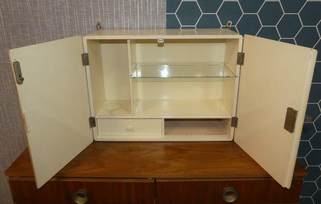 Beau Hanging Medicine Cabinet, 1930s