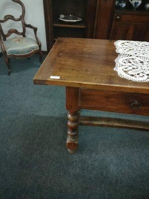 Mesa de comedor antigua en venta en Pamono