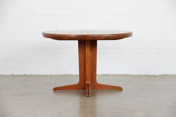 Mesa de comedor extensible danesa redonda de teca de VV Mobler, años ...