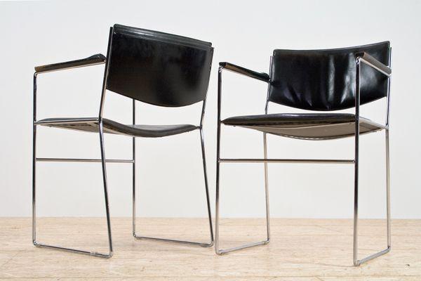 Sedie da pranzo moderne in pelle nera e acciaio, Italia, anni \'70, set di 2