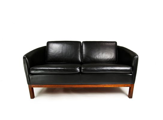 Mid-Century Danish Leather & Rosewood Sofa by Illum Wikkelso for ...