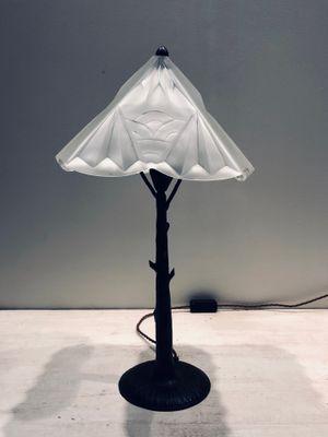 Französische Art Deco Lampe aus Eisen & geformtem Glas in Baum-Optik von  Henri Fournier