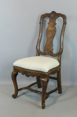 Antique Continental Queen Anne Style Walnut Chairs Set Of 4 For