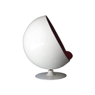 Fabulous Mid Century Modern White Red Ball Chair By Eero Aarnio 1963 Short Links Chair Design For Home Short Linksinfo