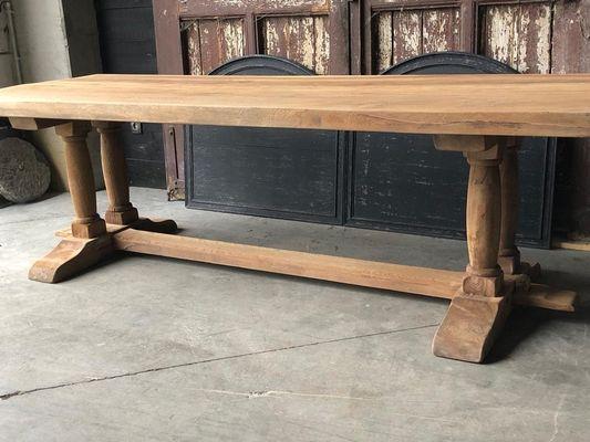 Mesa de comedor rústica antigua en venta en Pamono