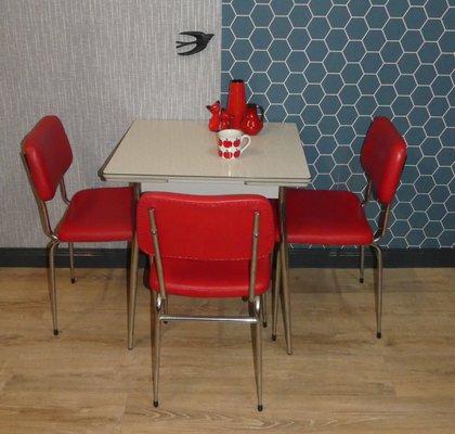Tavolo da cucina piccolo in metallo cromato e resopal, anni \'50