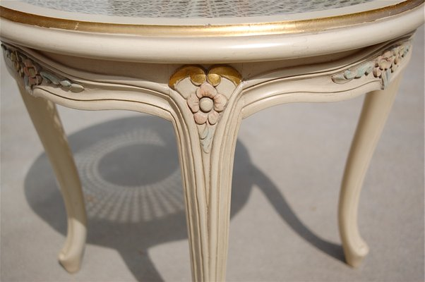 Ordinaire Vintage French Provincial Side Table With Cane Top