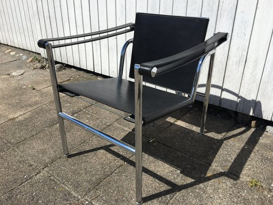 Exceptionnel LC1 Chair By Pierre Jeanneret For Le Corbusier Studio Paris, 1920s