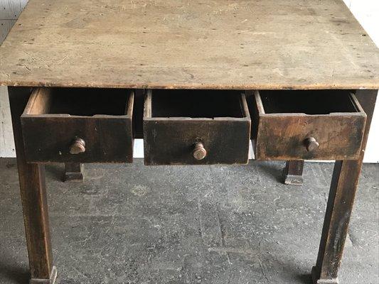 Tavolo da cucina in pino, anni \'30 in vendita su Pamono