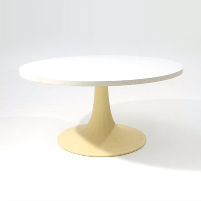 French Round White Tulip Coffee Table From Grosfillex 1960s