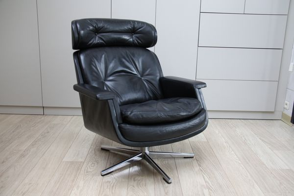 Black Leather Swivel Lounge Chair By