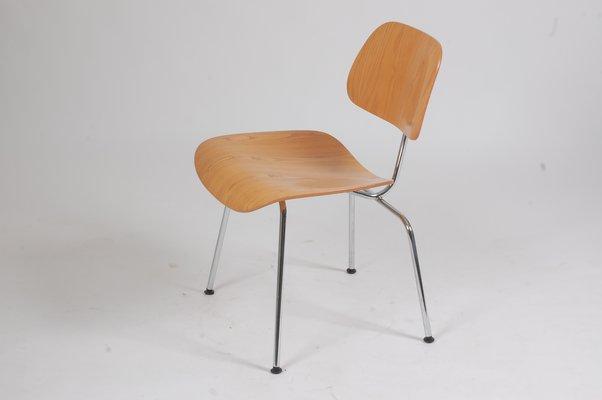 Sedia A Dondolo Vitra.Sedia Da Pranzo Dcm Vintage Di Charles Ray Eames Per Vitra In