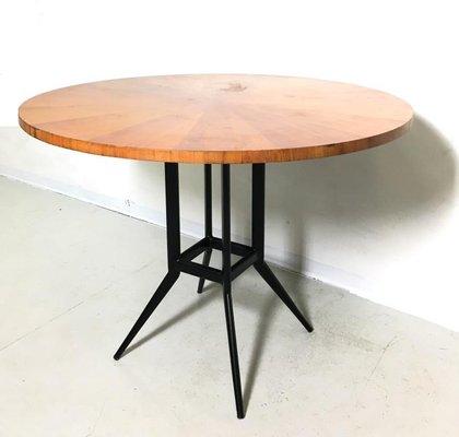 Tavolo Pranzo Tondo.Tavolo Da Pranzo Rotondo Mid Century In Ciliegio E Metallo Anni 60