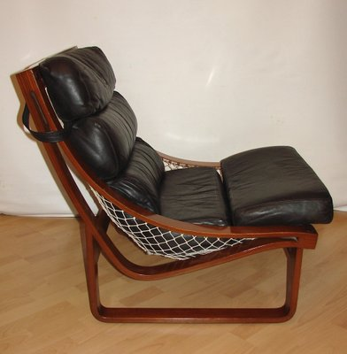 Strange Vintage Model T4 Leather And Teak Armchair By Fred Lowel For Tessa 1970S Onthecornerstone Fun Painted Chair Ideas Images Onthecornerstoneorg