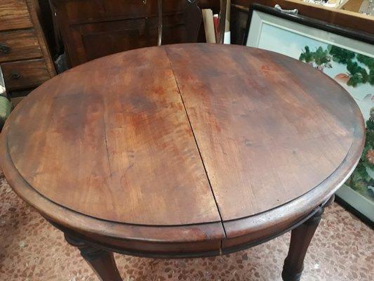 Italienischer Antiker Ausziehbarer Runder Tisch Aus Massivem