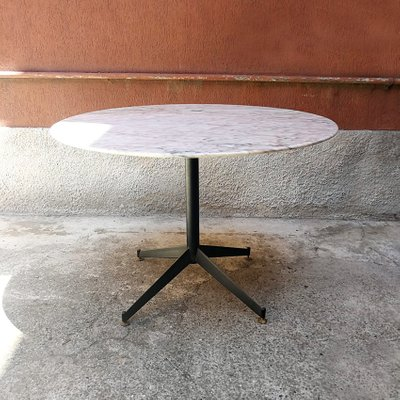 Tavolo Da Cucina In Marmo Anni 50.Tavolo Da Pranzo Mid Century In Metallo E Marmo Anni 50 In