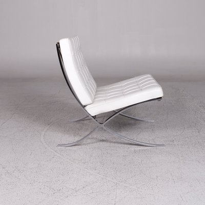 Poltrona Barcelona Knoll.White Barcelona Chair By Mies Van Der Rohe For Knoll International 1980s