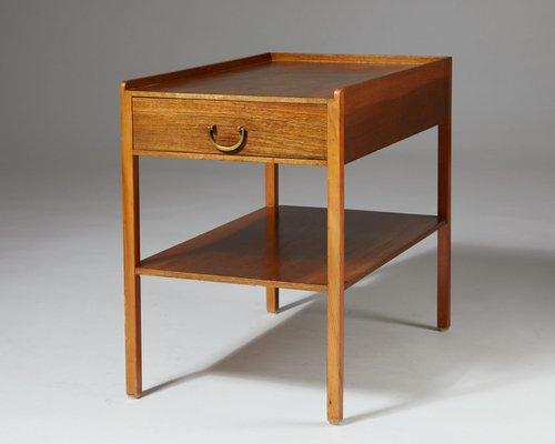 Table De Chevet Modele 914 En Laiton Et En Acajou Par Josef Frank