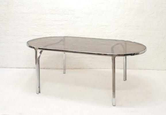 Mesa de comedor minimalista de metal cromado y vidrio ahumado, años 70