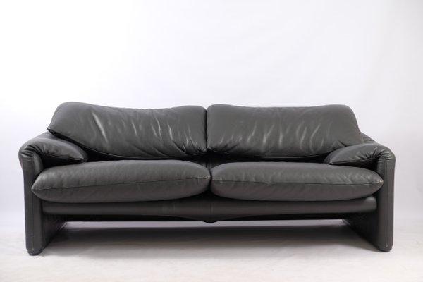 Italian Modern Leather Sofa by Vico Magistretti for Cassina, 1970s