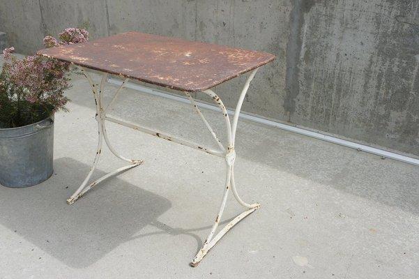 Tavoli Da Giardino Vintage.Tavolo Da Giardino Vintage In Metallo Anni 30 In Vendita Su Pamono