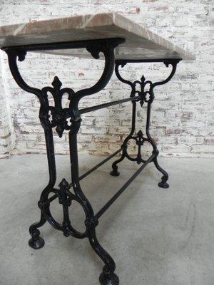 Gusseisen Gartentisch.Gartentisch Mit Gestell Aus Gusseisen Marmorplatte 1930er
