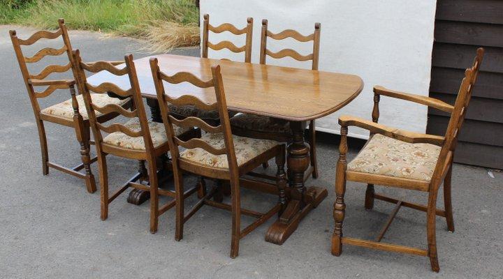 Tavolo da pranzo in quercia con sedie, anni \'40