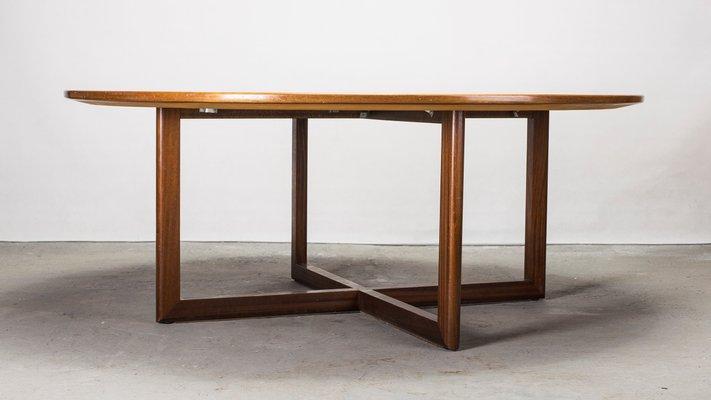 Mesa de comedor grande redonda de palisandro, años 60