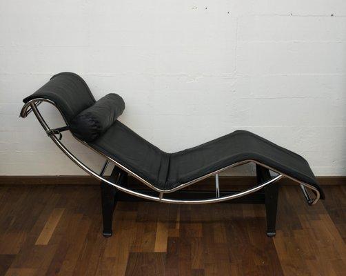 En Le Corbusier Longue Acier Chaise CassinaItalie1960s Cuir Et Lc4 Par Pour FlJKcT31