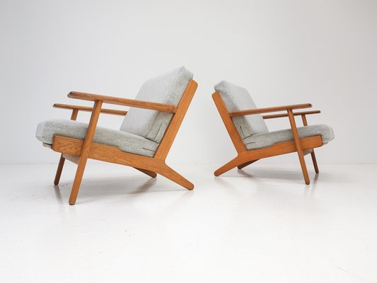 Getama Classic Easy Chair 290 by Hans J. Wegner