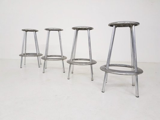Sgabelli Alluminio Bar.Sgabelli Da Bar Luna In Alluminio Di Amos Marchant E Lyndon Anderson Per Allermuir Set Di 4