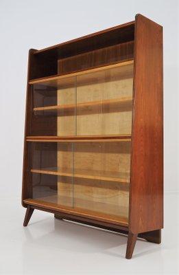 Libreria Con Ante Di Vetro.Libreria Vintage Con Ante In Vetro Di Tatra Anni 60