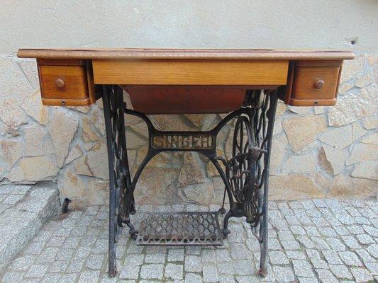 Table Et Machine A Coudre Art Nouveau De Singer Allemagne 1900s