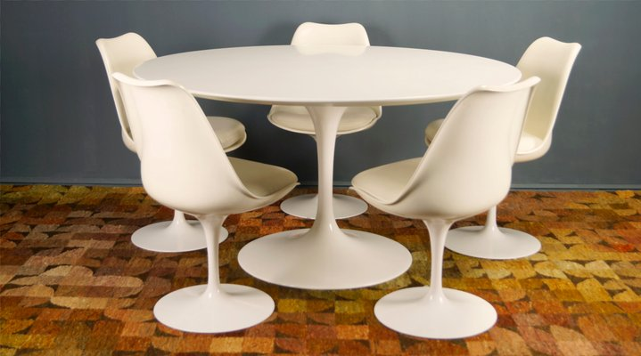 Tulip Dining Chairs and Table by Eero Saarinen for Knoll International, 1960s