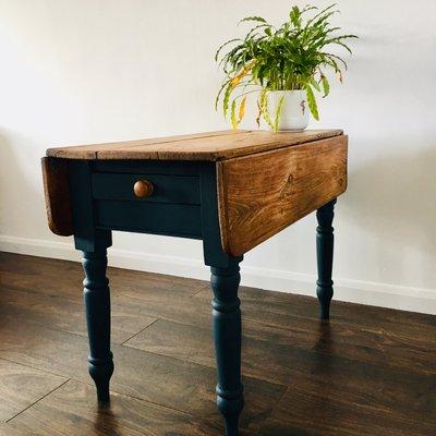 Tavolo da cucina piccolo antico vittoriano in legno di pino