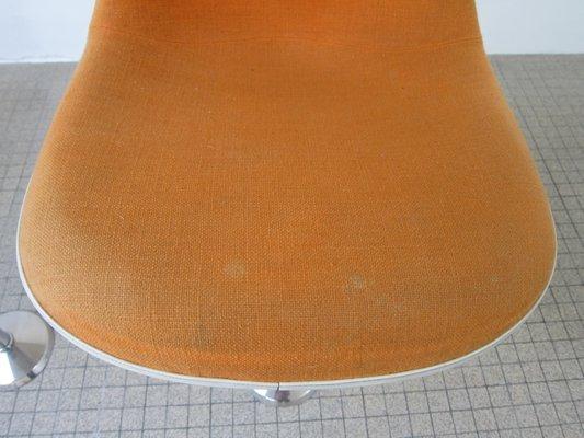 Sgabello da bar la fonda in fibra di vetro di charles ray eames
