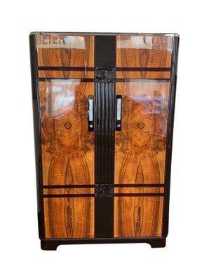 Armadio Legno Scuro.Armadio Art Deco In Legno Di Noce Laccato Marrone Scuro Di C W S Ltd Cabinet Factory Anni 30