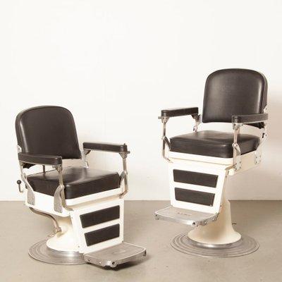 Poltrona Barbiere Anni 40.Sedia Da Barbiere In Skai Nero Di Nike Anni 40 In Vendita Su Pamono