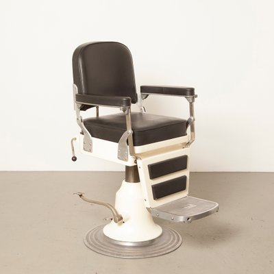Pleasing White Black Skai Barbers Chair From Nike 1940S Pabps2019 Chair Design Images Pabps2019Com