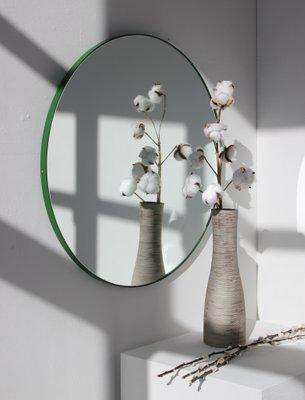 Großer Runder Orbis Spiegel Mit Grünem Rahmen Von Alguacil Perkoff