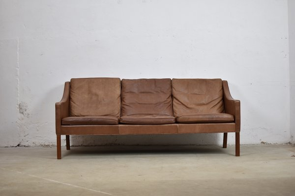 Danish Model 2209 Leather Sofa By Børge