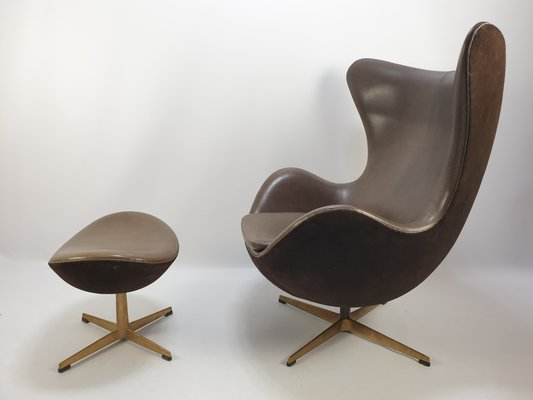 Egg Chair And Ottoman Set By Arne Jacobsen For Fritz Hansen 2008 For Sale At Pamono