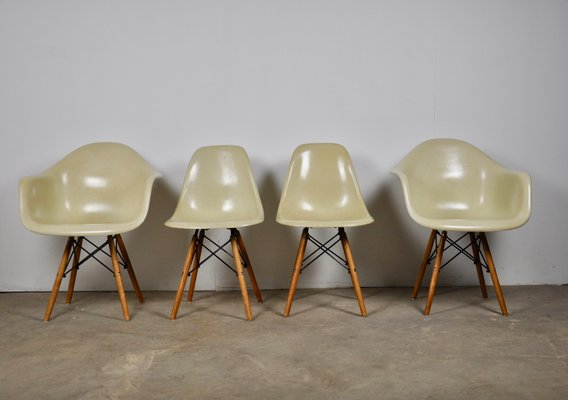 Vintage Dining Chairs By Charles Ray Eames For Herman Miller Set Of 4