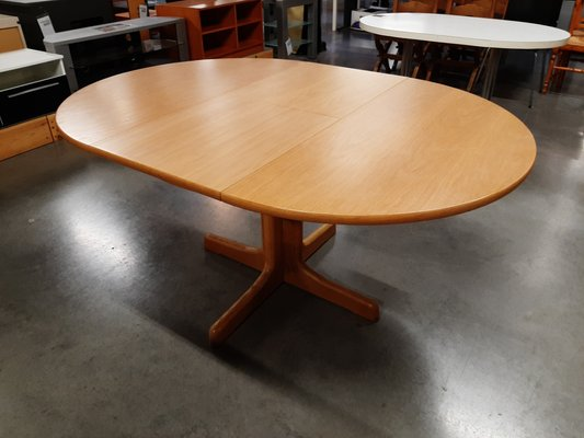 Extendable German Oak Round Dining Table From Casala 1970s For Sale At Pamono