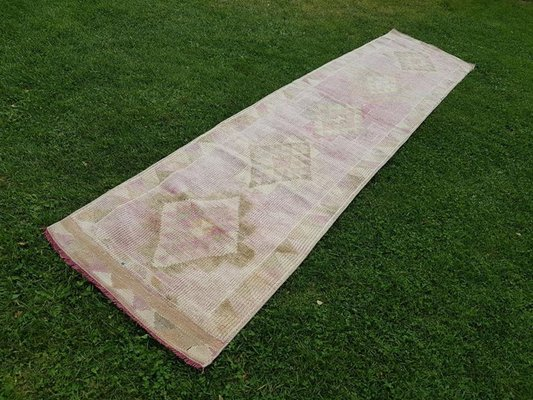 Rose Gold And Pink Woolen Oushak Runner Rug 1970s For Sale At Pamono