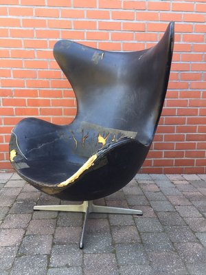 Black Leather Egg Chair By Arne Jacobsen For Fritz Hansen 1960s For Sale At Pamono